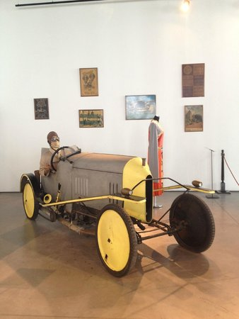 Automobile and Fashion Museum : Great exhibts