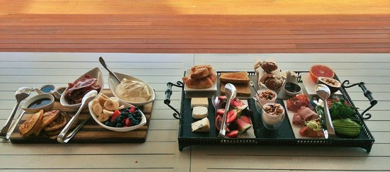 Paradise Bay Island Resort: Breakfast