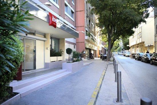 Ibis Marseille Centre Prado Vélodrome : ENTREE HOTEL