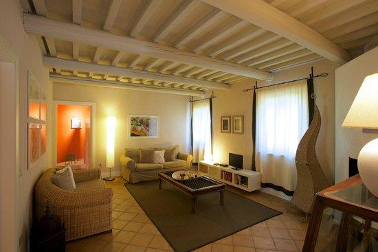 Residenza Le Versegge: Salotto di Scuola di Sopra