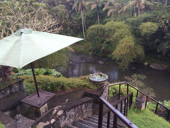 Villa Semana: Walk down to spa