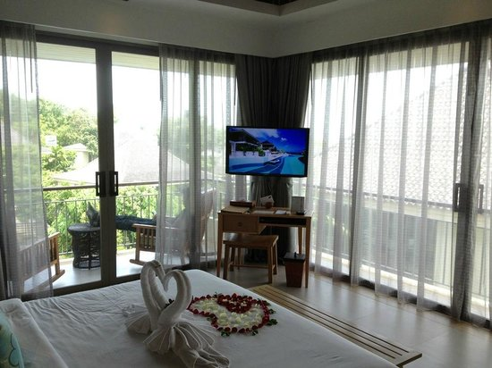 Mandarava Resort and Spa: The TV and view from bed