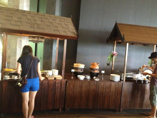 Mandarava Resort and Spa: Breakfast spread 7 - noodles