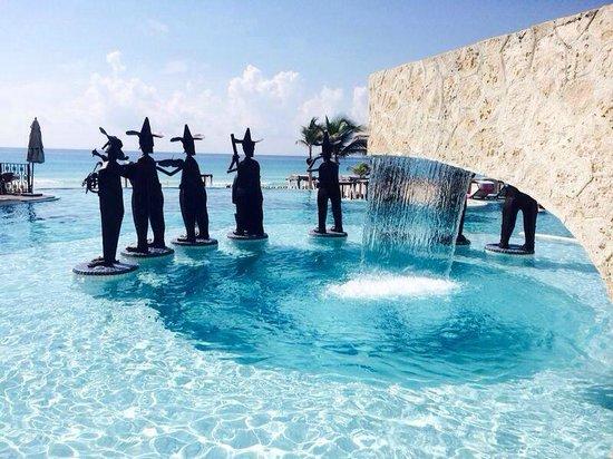 Hyatt Zilara Cancun: our new friends