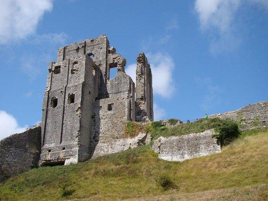 Corfe Castle: Castle