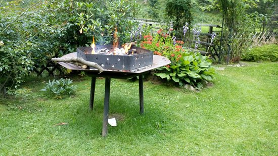 Hotel Trattlerhof: Barbecue