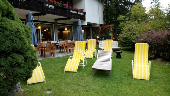 Hotel Trattlerhof: Giardino