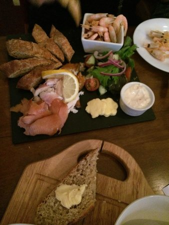 The Fat Goose Bistro: Seafood Platter Appetizer
