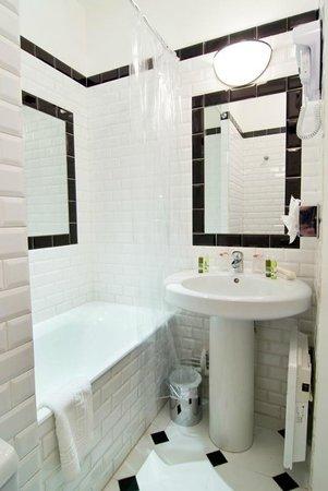 Centre Ville Etoile: Salle de bains