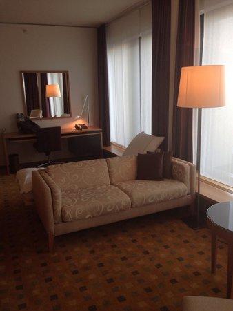 Swissotel Berlin: Apartament 7004