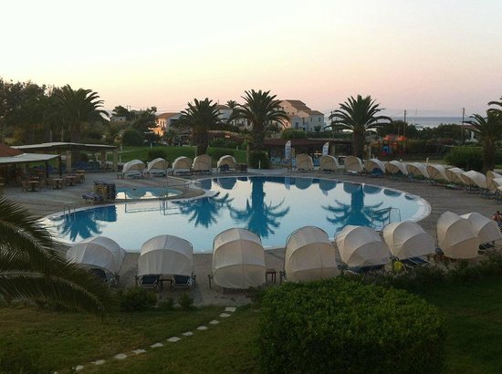 Cephalonia Palace Hotel: pool view