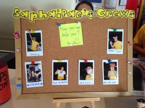 Saphaipae Hostel: The staff photos. Nice touch.
