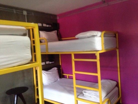 Saphaipae Hostel: Our four bed dorm