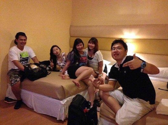 Caliraya Springs: in the family room