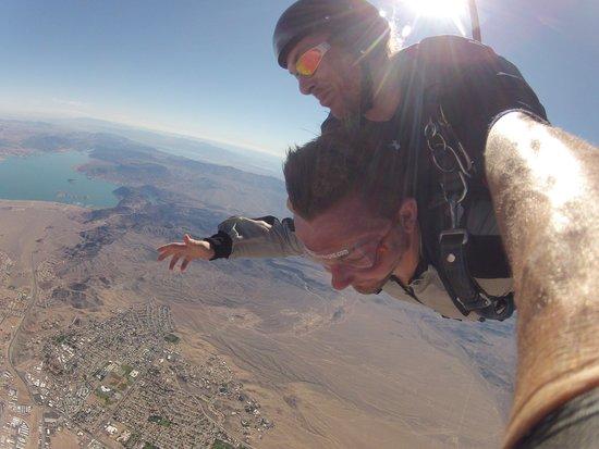 Skydive Las Vegas: descent