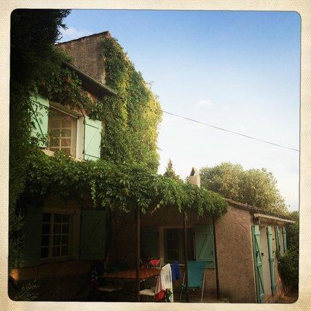"La Bastide du Pin : Apartment ""Le Mazet"" from the outside"