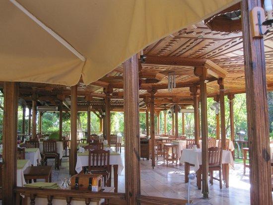Hotel Asur /Assyrian Hotel: Dining area