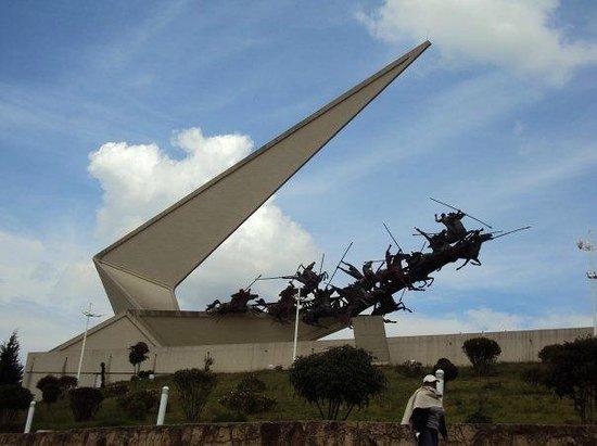 Pantano de Vargas  Monumento a los 14 lanceros: 14 Lanceros y Rondon