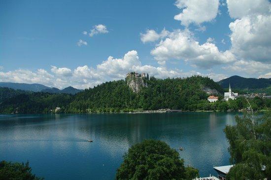 Garni Hotel Jadran - Sava Hotels & Resorts: vue des 2 chambres