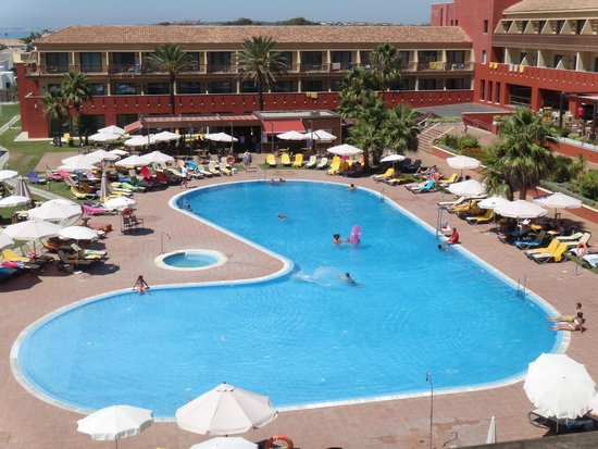 ILUNION Calas de Conil: La piscina