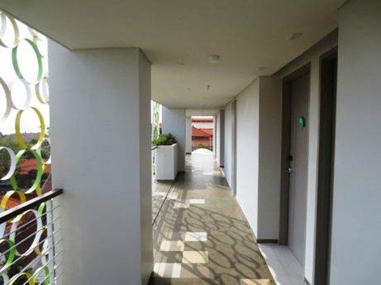 Ion Bali Benoa Hotel: way to room