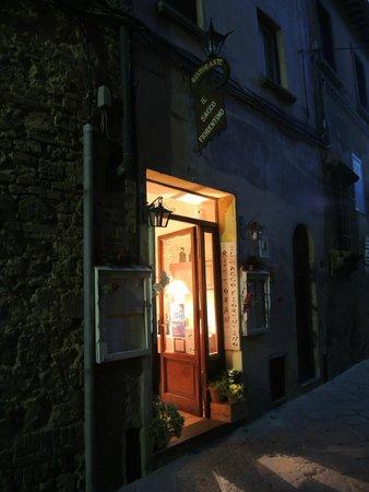 Il Sacco Fiorentino: Entrance