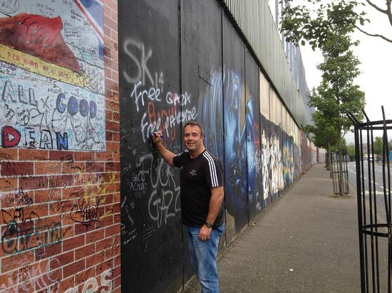 Belfast Mural Tours: Great day with Joe