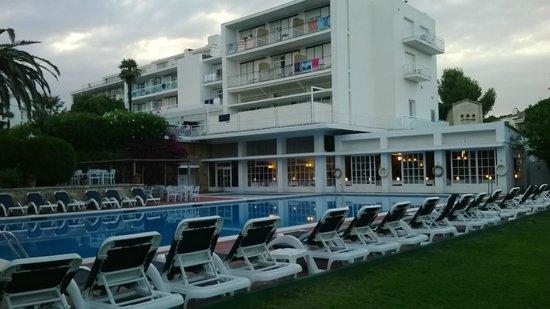 Hotel Alga : hotel vue du jardin