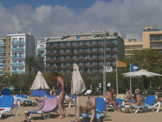 Checkin Garbi: Hotel visto dalla spiaggia