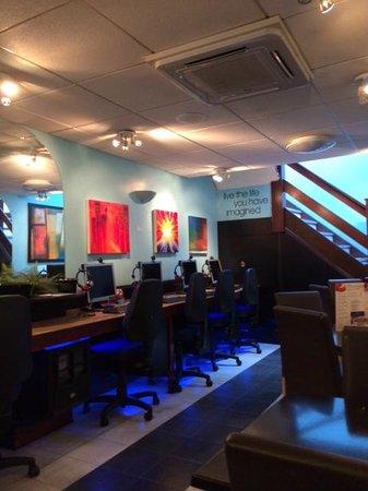 Quantum Web Cafe: Quantum Internet Cafe