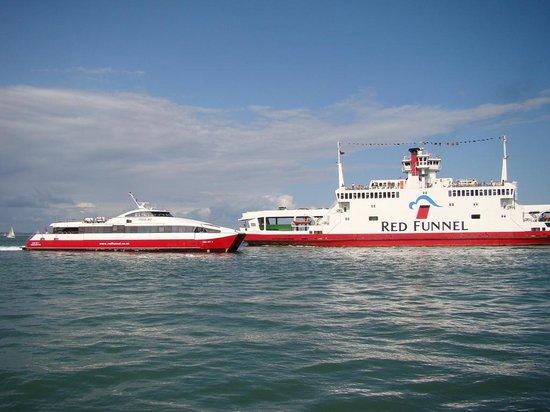 Red Funnel Ferries: Ferries