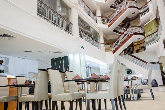 Prescott Hotel Kajang: Coffeehouse view