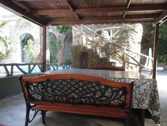 Residence Hotel Moneglia: il patio