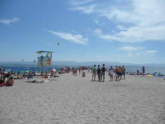 Plage de Zlatni Rat : Spiaggia