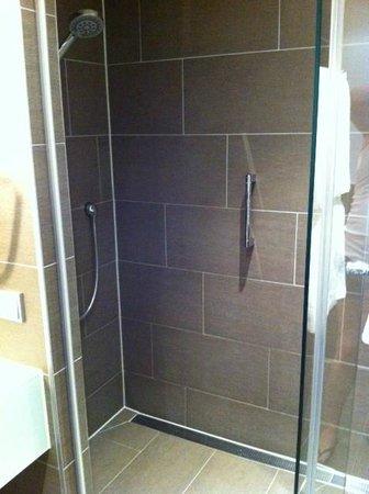 Atlantic Grand Hotel Bremen: Excellent shower