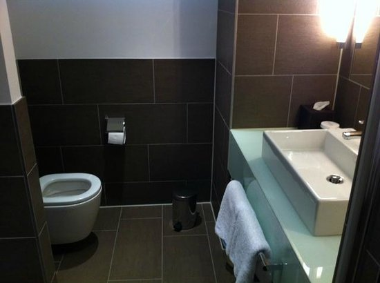 Atlantic Grand Hotel Bremen: Very clean bathroom
