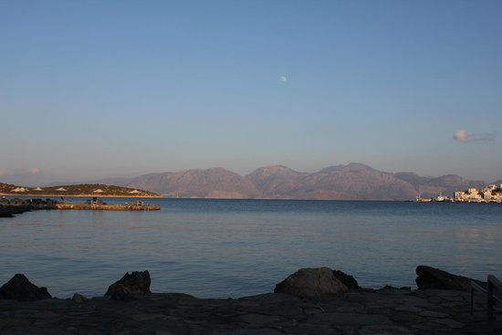 Minos Beach Art hotel: Gorgeous Greek views