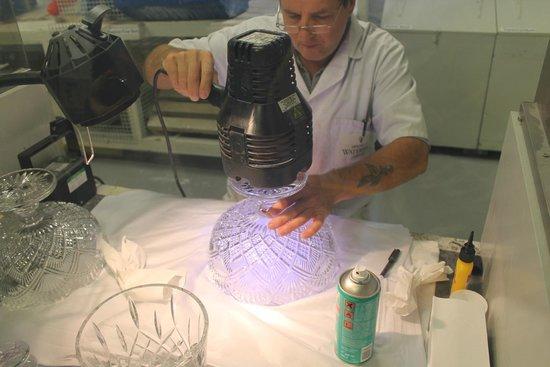 Waterford Crystal: Craftsman at work