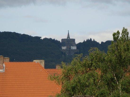 pentahotel Kassel: Blick aus unseren Zimmer zum Herkules
