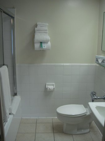 Missouri Athletic Club : Bathroom