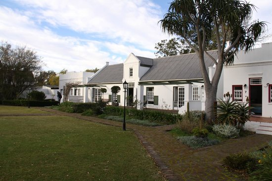 Tsitsikamma Village Inn: view of the hotel cottages