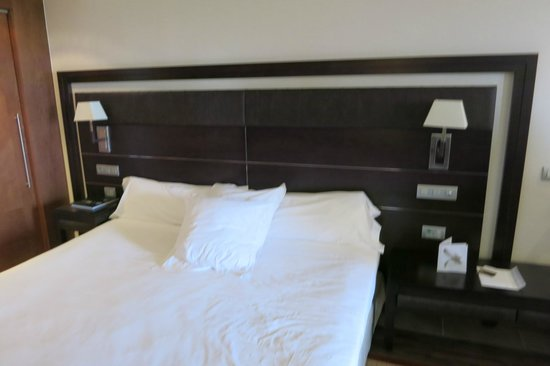Insotel Fenicia Prestige Suites & Spa: Bed