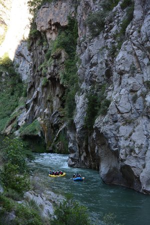 La Rafting Company: Rafting in the Canyon