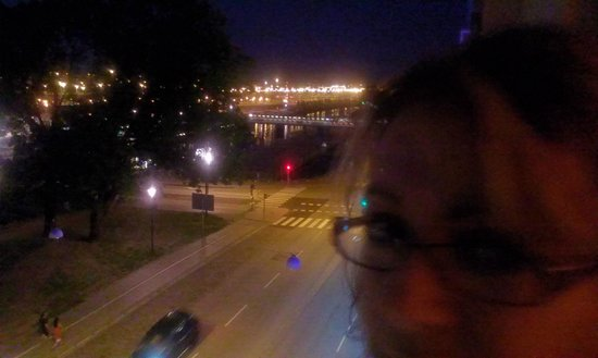 Elite Plaza Hotel Malmo: View from Room/Balcony at night