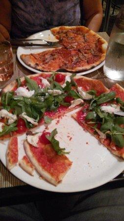 Taverna Parione : Pizzas espectaculares