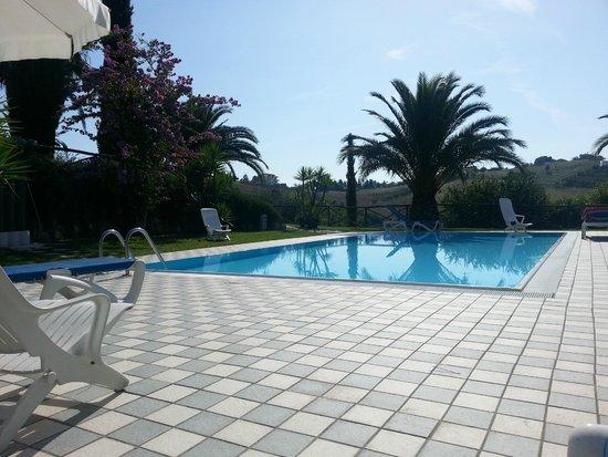 Tenuta Sol Alto: La piscina