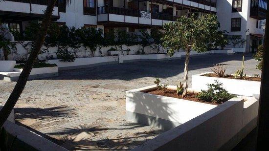 Apartamentos Poblado Marinero: Binnenplein