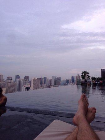 The Okura Prestige Bangkok: By the pool