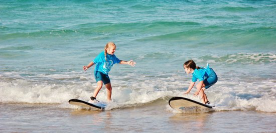 Port Stephens Surf School: Encouraging each other