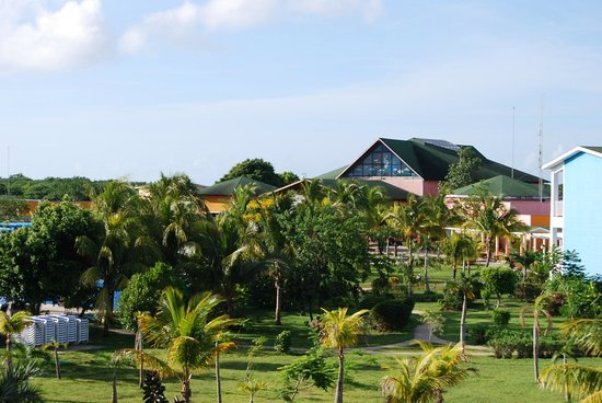Hotel Playa Coco: main entrance